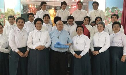 SEZIONIFOTONOTIZIE El Salvador – Il Delegato del Rettor Maggiore per la Famiglia Salesiana in visita alle Figlie del Divino Salvatore