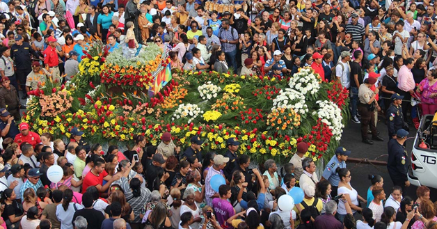 """Panama – """"Panama è di Don Bosco e Don Bosco è di Panama"""": migliaia di persone hanno accompagnato Don Bosco in processione"""