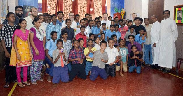 """India – Don Á.F. Artime alla Famiglia Salesiana: """"La nostra missione è dare testimonianza"""""""