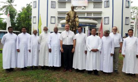 India – I giovani e la Famiglia Salesiana di Dimapur salutano il Rettor Maggiore