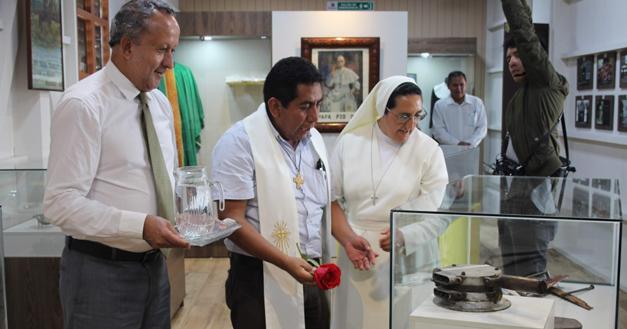 Ecuador – Museo di Suor Maria Troncatti: oggetti e fotografie del cammino di una santa